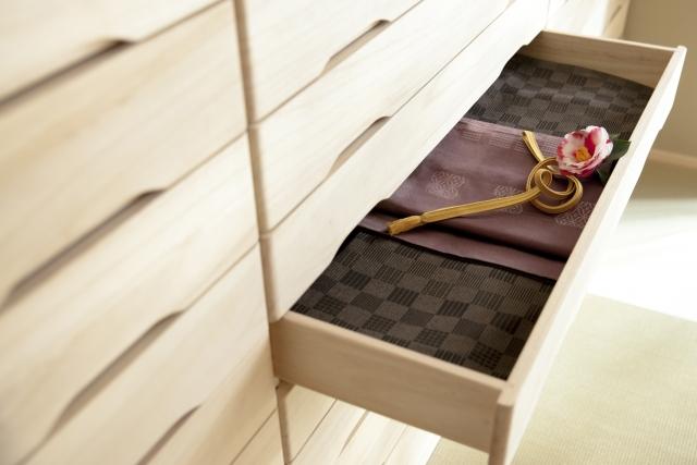 着物を仕舞う和箪笥(たんす)、きちんと使っていますか?